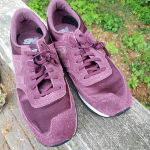 NEW BALANCE 620 CLASSIC SNEAKERS